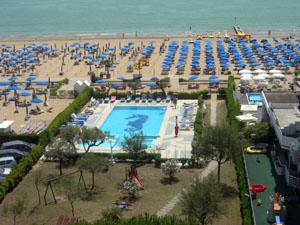 Jesolo hotel reno 3 stelle fronte mare con piscina e giardino hotel a jesolo lido - Hotel jesolo con piscina fronte mare ...